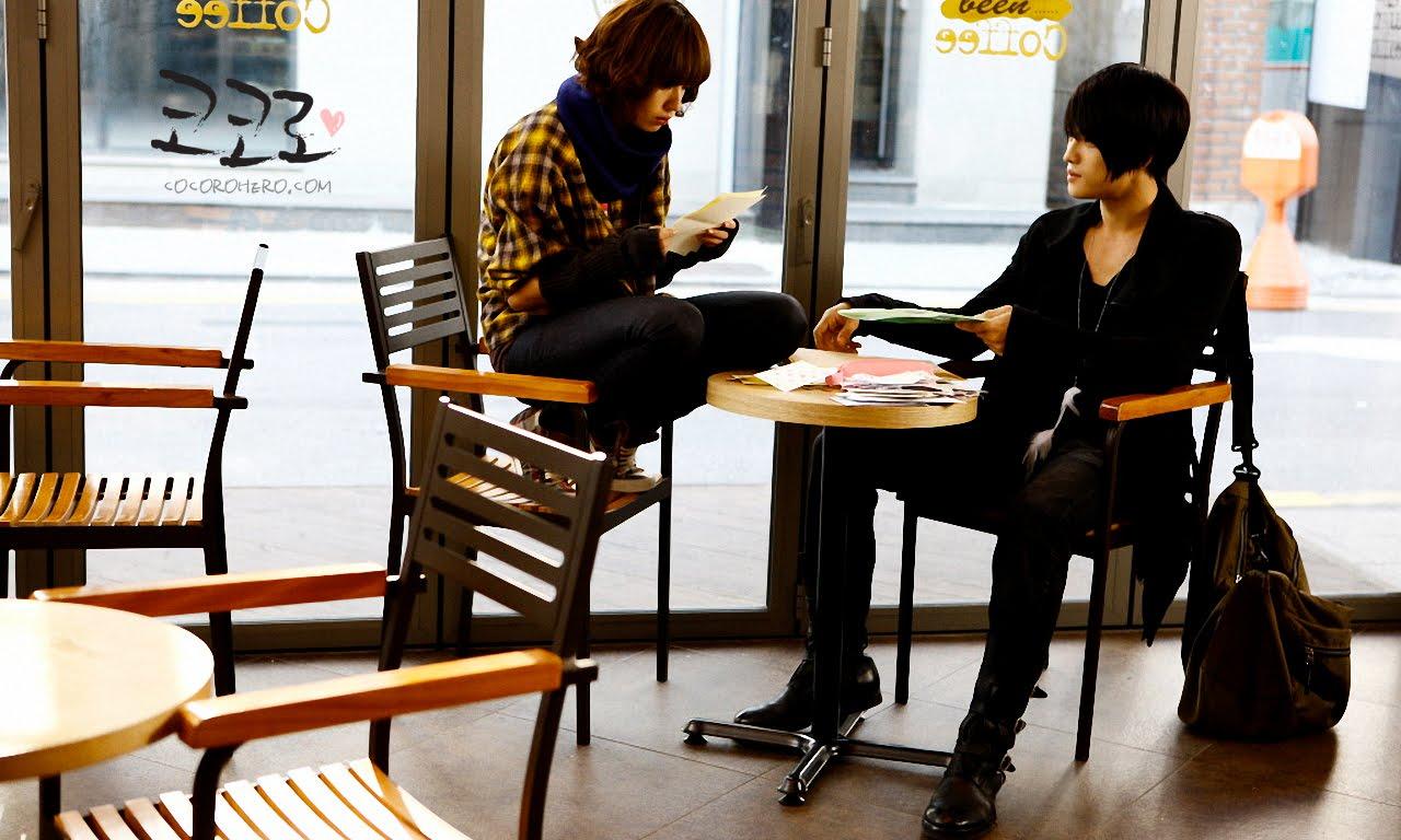 Sitting In Starbucks Drinking Your Coffee Lowkey